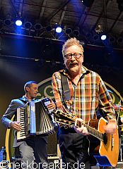 live 20141208 floggingmolly02
